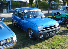 Renault 5 Alpine - Photo of Saint-Rémy