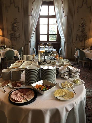 Frühstücksbuffet im Schloss Obermayerhofen