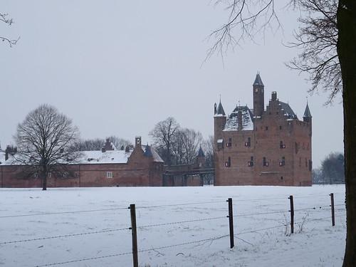 Castle doornenburg in the snow