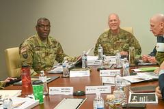 LTG Richardson from AFC visits RDECOM-14