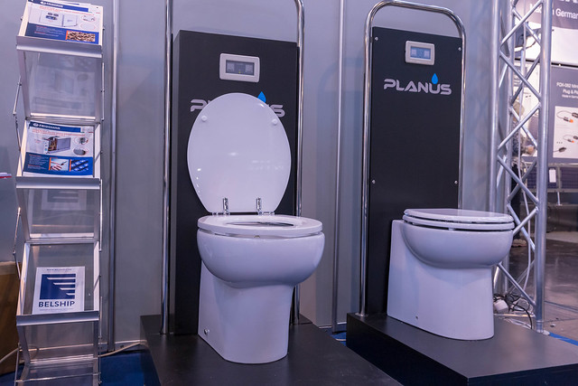 Elegante, elektrische Toilette f, Canon EOS 6D, Canon EF 24-70mm f/2.8L II USM