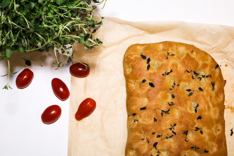 Palakakkuakiitos_foccacia_feta_tomaatti