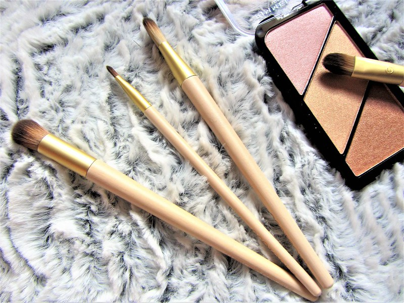 france-maia-pinceaux-maquillage-eco-tools-thecityandbeauty.wordpress.com-blog-beaute-femme-thecityandbeauty.wordpress.com-blog-beaute-femmeIMG_1510 (3)