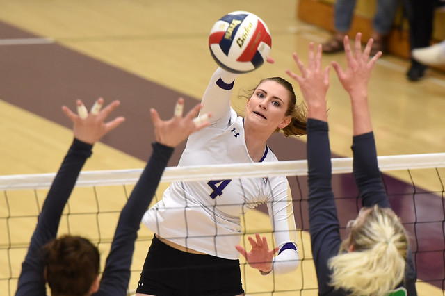 Yotes Volleyball defeat Evergreen