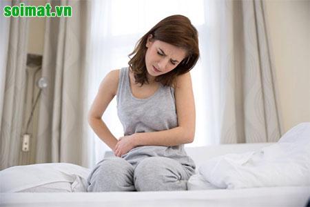 Đau bụng vùng hạ sườn phải là một trong những triệu chứng thường gặp do hội chứng sau cắt túi mật - PCS