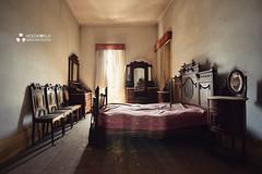 UE: Roberto House