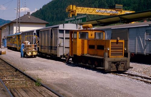 StLB HF130C VL-7 verschiebt in Unzmarkt am 29.06.1993.