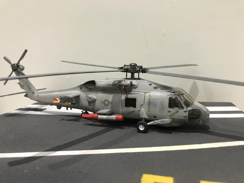 Hasegawa 1/72 SH-60B Seahawk