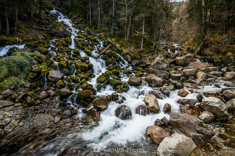 Cascada de los Uelhs y el río Joèu