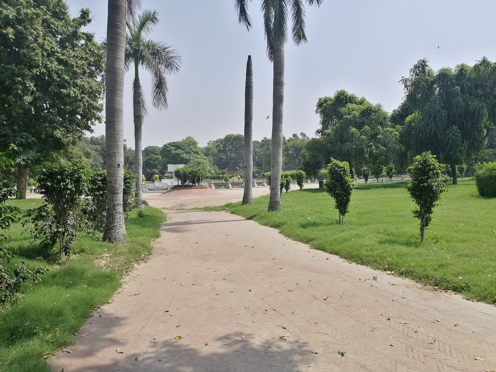 Park Picture withPark Picture with HDR Mode on Huawei Nova 3iz HDR Mode on Huawei Nova 3i
