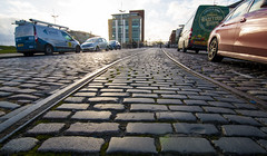 Tracks cobbles vehicles