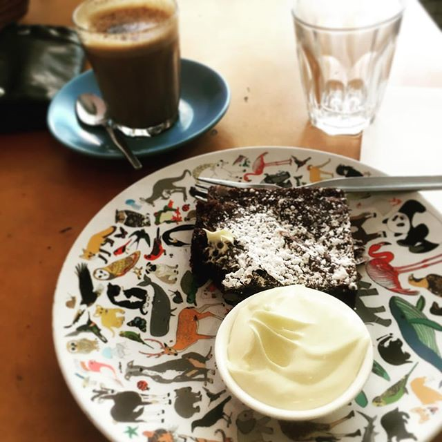 249/365 • clocking on some me time • . #hobart #tasmania #glutenfree #brownie #moccha #cpeliac #cream #tasmaniagram #discovertasmania #batterypoint #wilderness1100 #sailing #bellalunaboat #cruising #exploring #Summer2018 #outdoorfamilies #seagypsies #abcm