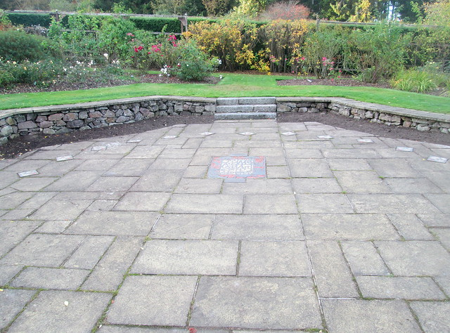 Drum Castle historic rose garden 13 human sundial 1