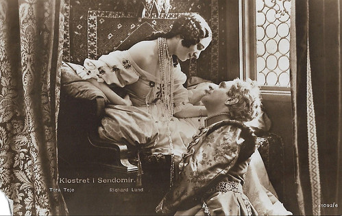 Tora Teje and Richard Lund in Klostret i Sendomir (1920)