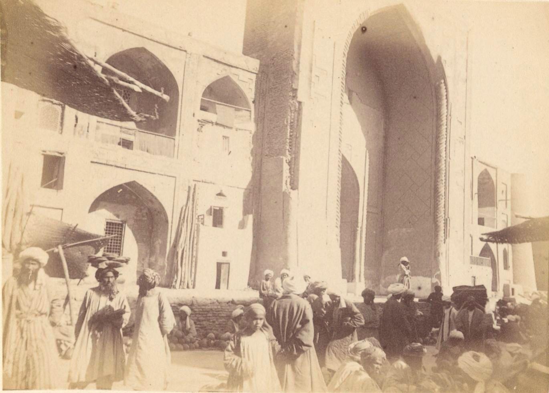 31. Бухара. Мечеть слева от крытого базара