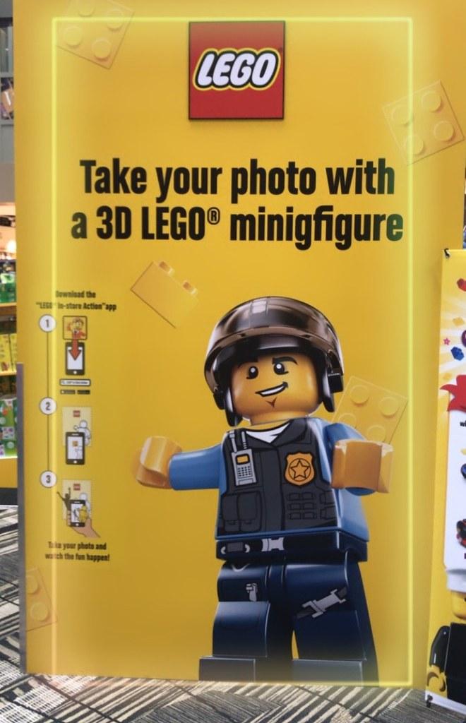 lego_minifigures_ar_wall