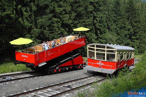 DB Regio Netz Verkehrs GmbH Oberweißbacher Berg- und Schwarzatalbahn  . Lichtenhain an der Bergbahn . 27.06.12.