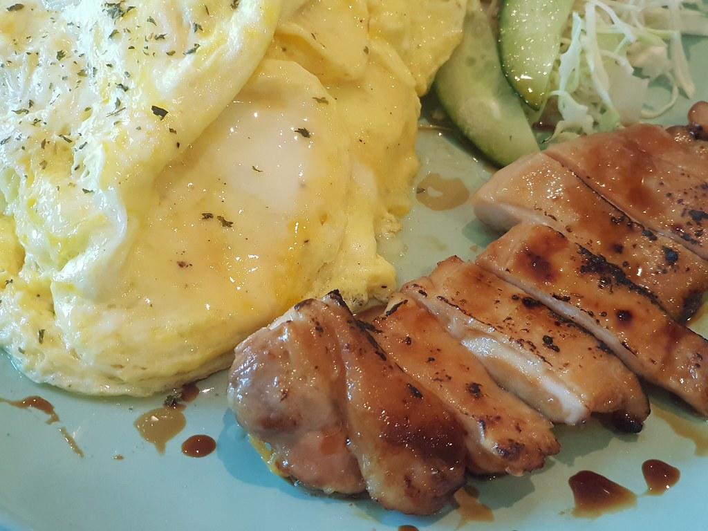 日式蛋包饭配照燒汁鸡 Omu Rice Chicken Teriyaki rm$20 @ 原宿トースト Haraju Cube at SS15 Courtyard