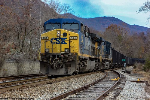 KT25 pushing the KT24 east on to the NS Appalachia District from the Cumberland Valley Sub.