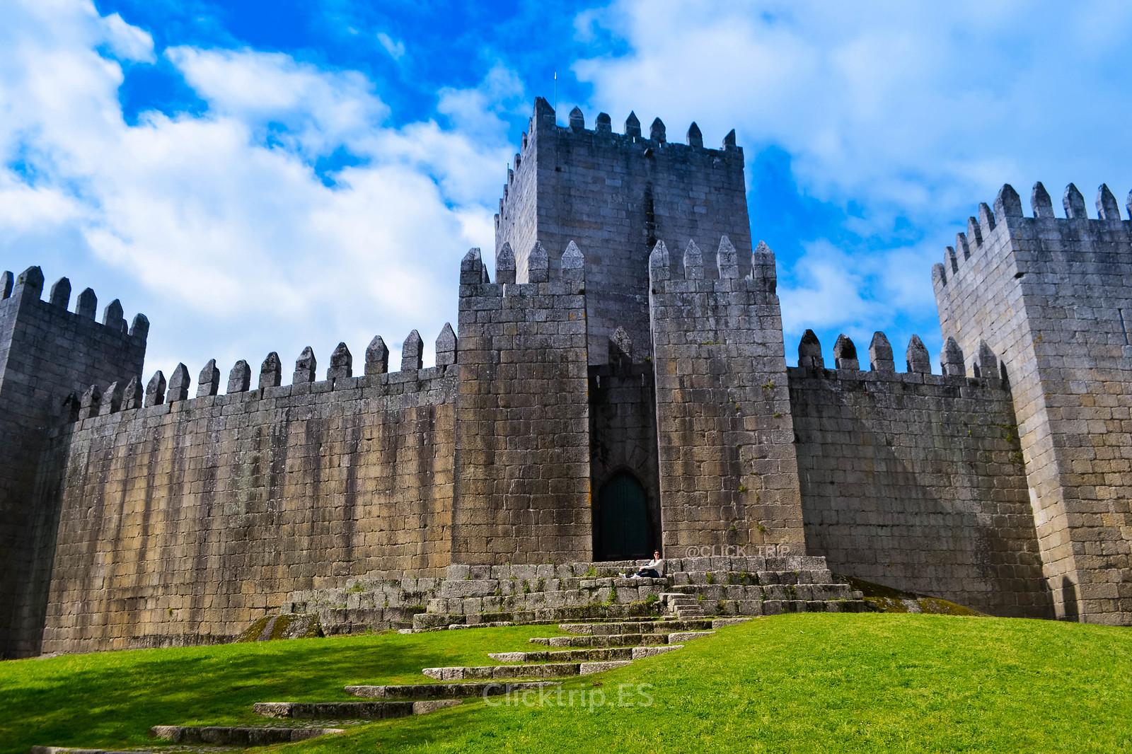 · Ruta por Oporto y alrededores · Castillo de Guimarães · Click_Trip ·
