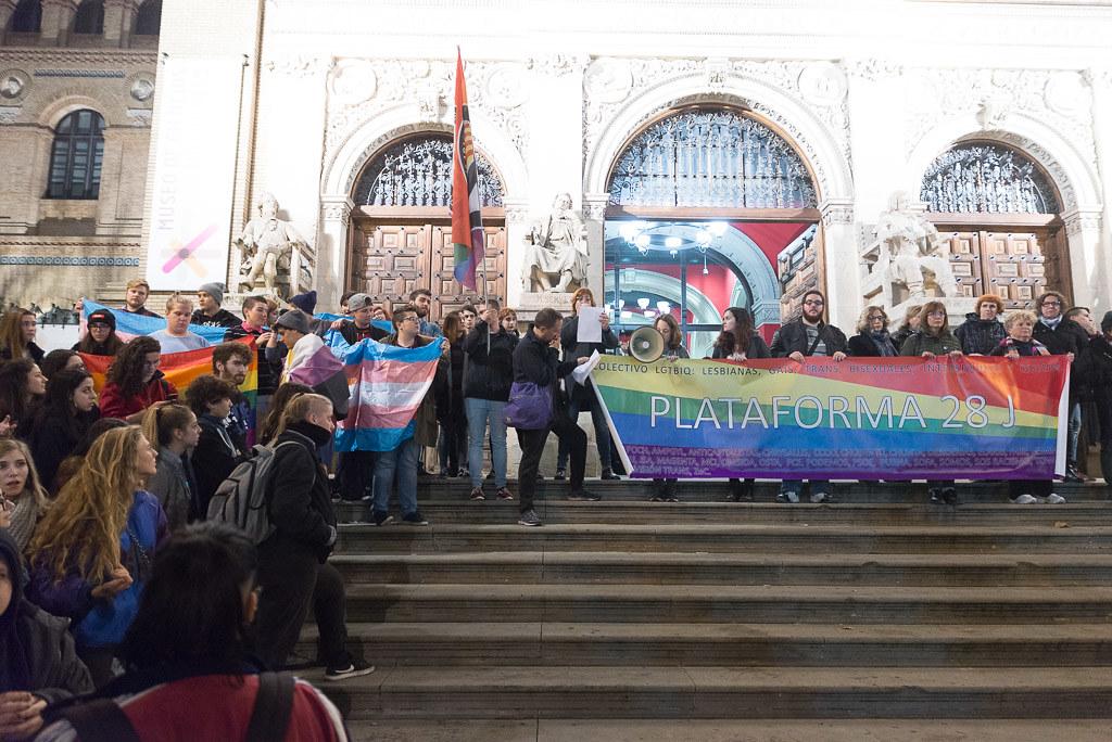 Protesta Trans por la visita de la organización transfoba y ultracatólica HazteOir a Zaragoza