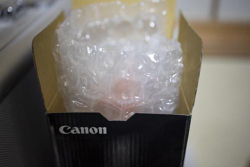 キヤノン RFレンズの箱と取説