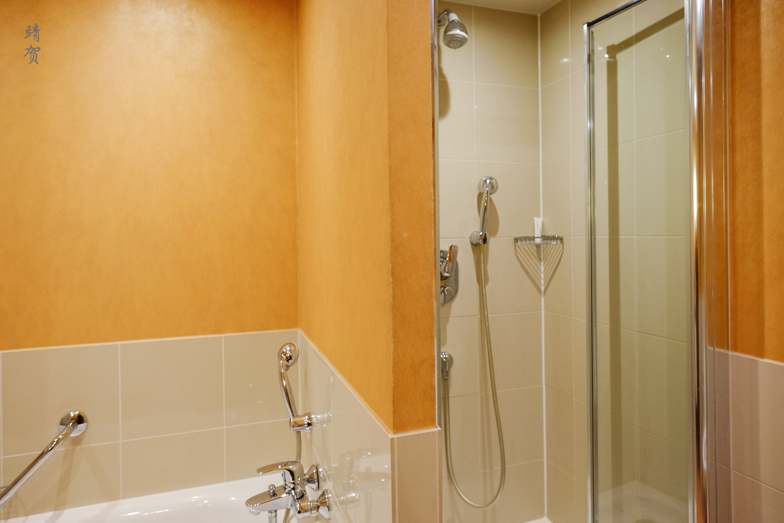 Shower chamber