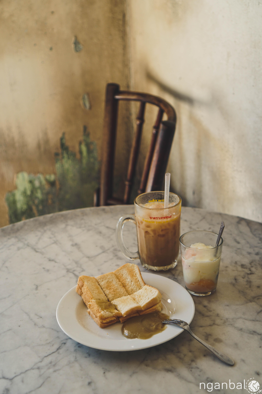 Ăn sáng ở Bangkok