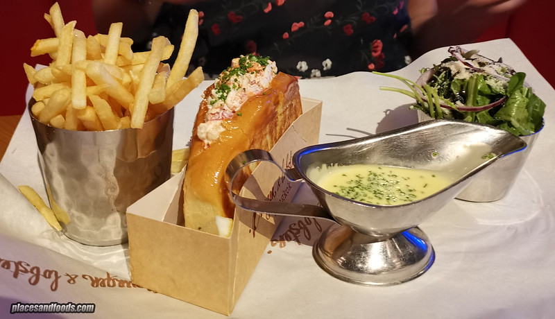 burger and lobster bangkok lobster roll