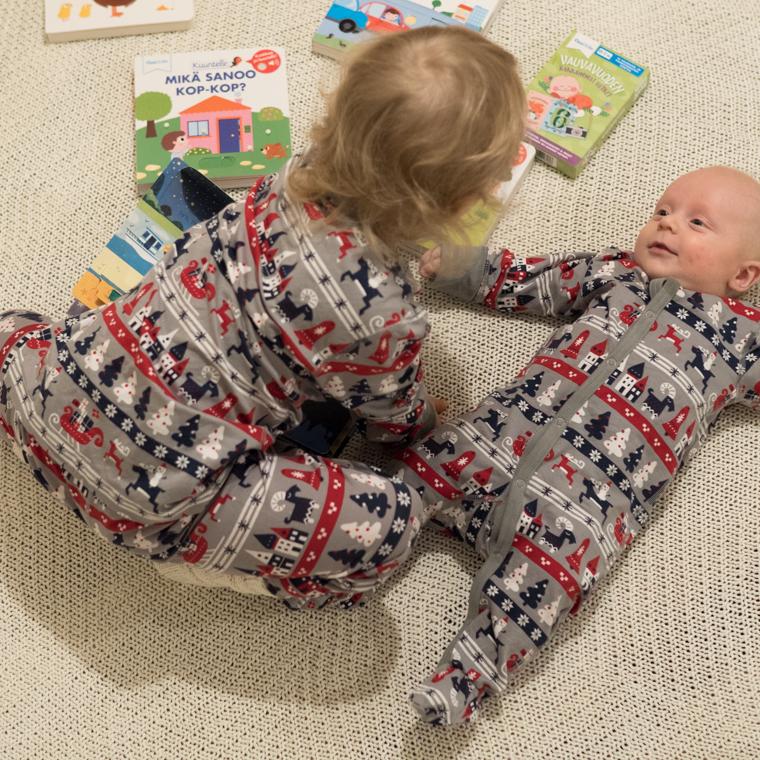 Oppi&ilo sisarukset yhdessä