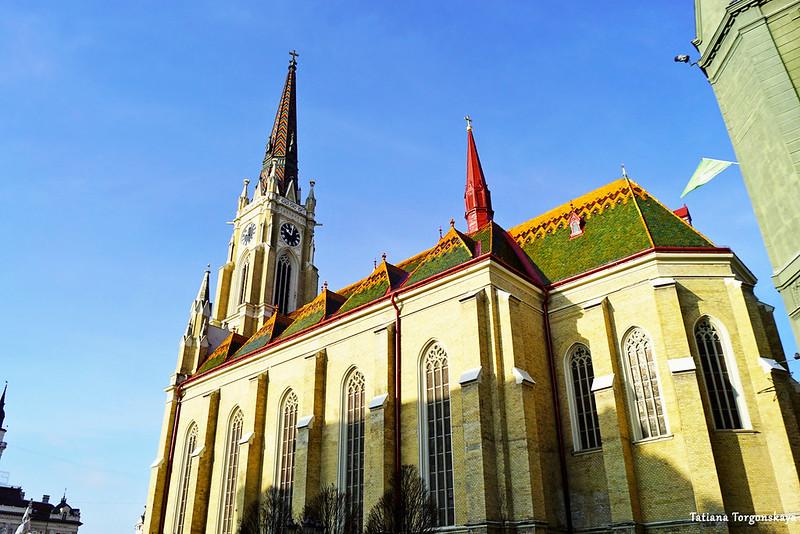 Фасад церкви Девы Марии