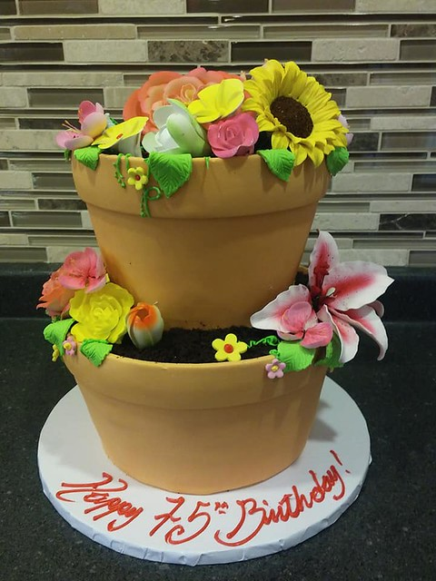 Cake by Fantasy Cakes and Fine Pastries