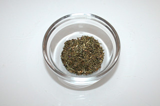 09 - Zutat getrocknetes Thymian & Basilikum / Ingredient dried thyme & basil