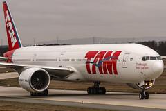 PT-MUH LATAM Airlines Brasil Boeing 777-32W(ER) @ Frankfurt Rhein-Main International (FRA / EDDF) / 30.12.2018