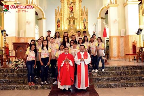Casamento comunitário  e   mais de 700 jovens recebem o sacramento da Crisma