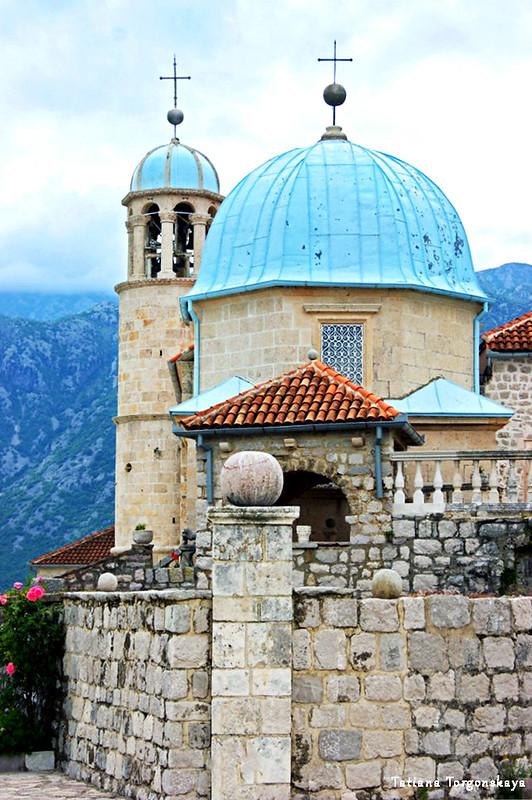Церковь Вознесения Богородицы на небо на острове Госпа од Шкрпела