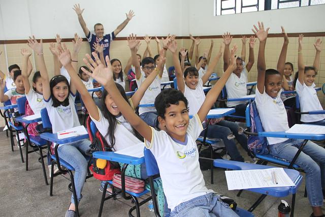01.02.19 Prefeitura de Manaus pagará 14º salário a mais de 1 mil educadores da rede municipal de ensino.