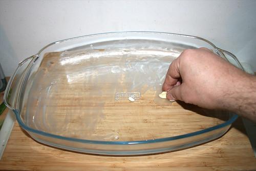 26 - Auflaufform ausfetten / Grease casserole