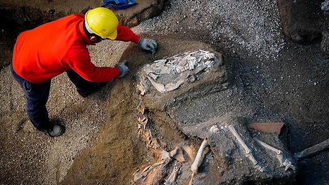 italy-pompeii-discovery-2