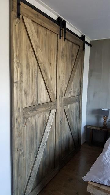 Houten schuifdeuren slaapkamer landelijk