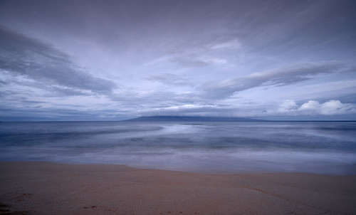 maui hawaii lanai goldenhour dawn kaanapali beach beachphotography longexposure sunrise surf