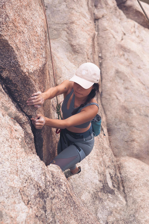 03rockclimbing-ropeclimbing-bouldering-joshuatree-fitness