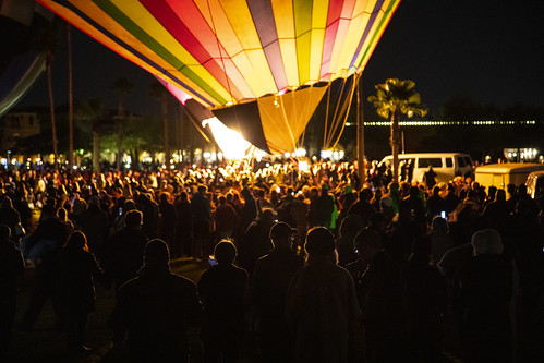 Balloon crowd