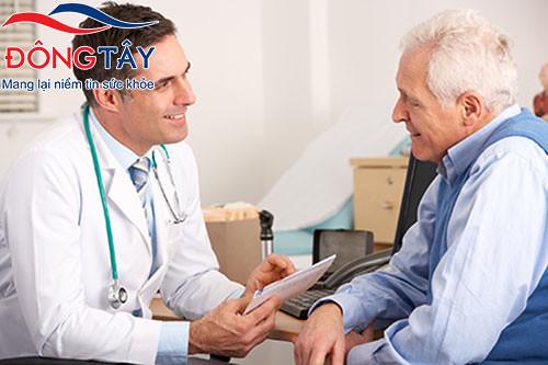 Bệnh Parkinson khó khỏi hẳn, nhưng vẫn có cách trị run hiệu quả