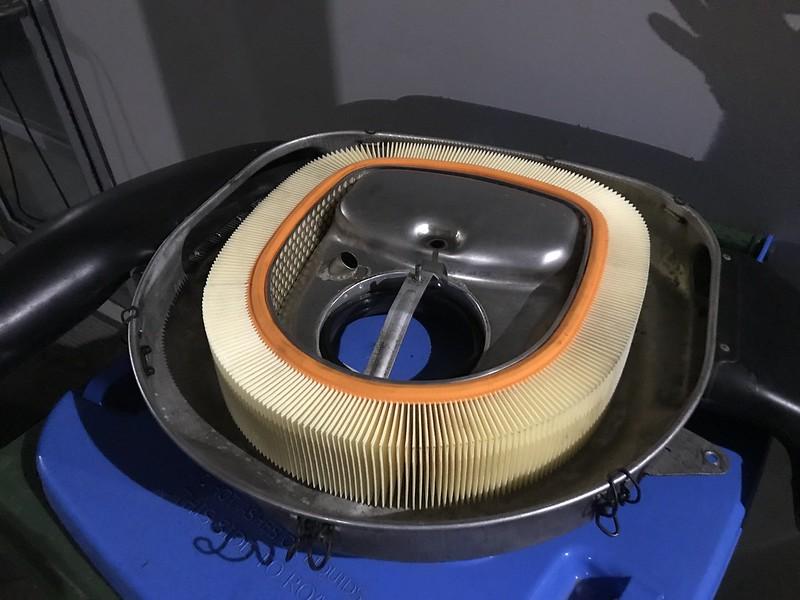 560SEC air cleaner