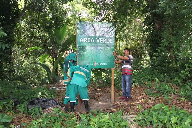 Prefeitura instala placas de área verde no conjunto Tiradentes