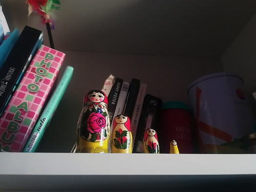 Día 17 En mi estantería ➡️ Ángulo contrapicado #30dias30fotos #Reto30iesgaherrera1