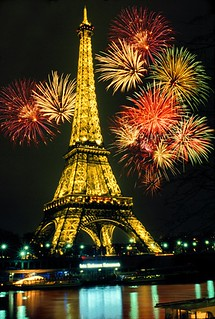 paris-happy-new-year-paris-fireworks