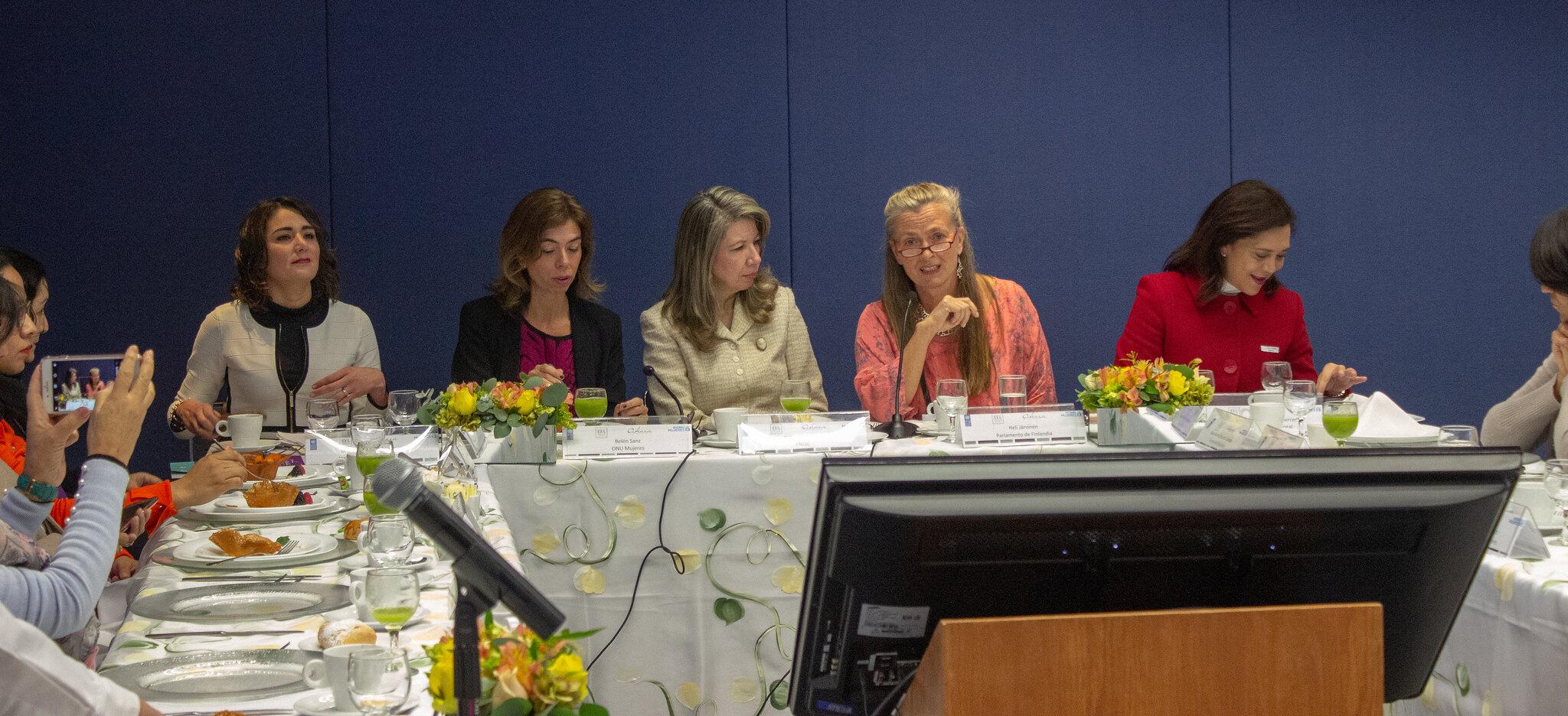 Acelerar la participación de las mujeres en espacios de decisión pública