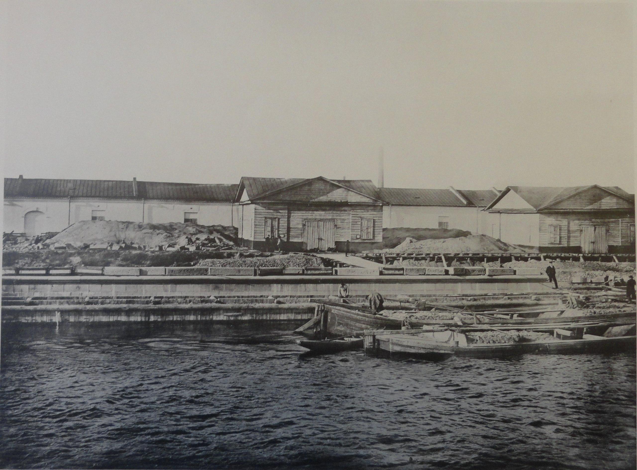1902. Набережная на Гагаринском буяне. Осень